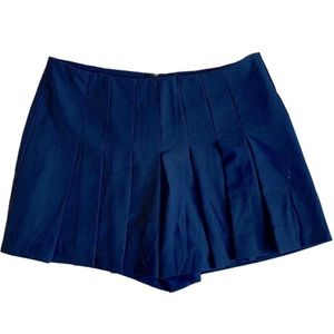 Forever 21 | Navy front pleated shorts